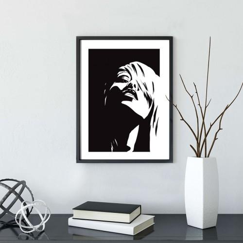 Siyah Kadın Silueti Çerçeveli Poster