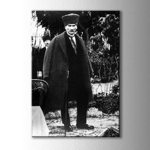 Siyah Beyaz Boydan Atatürk Kanvas Tablo