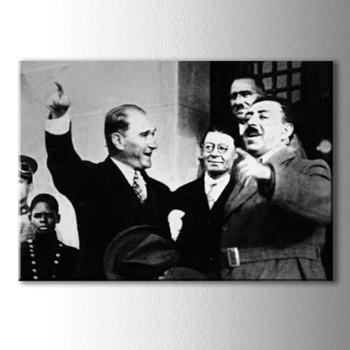 Gülen Atatürk Kanvas Tablo