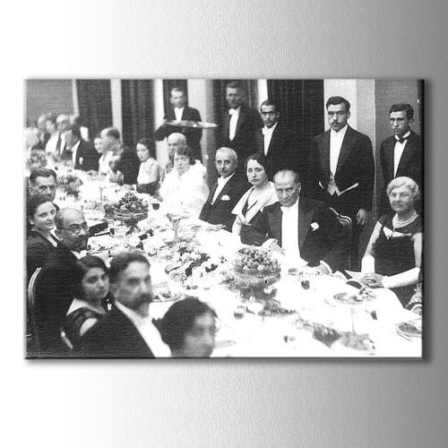 Atatürk Asaleti Kanvas Tablo