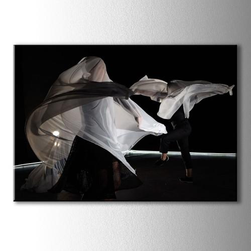 Beyazlar İçinde Dans Kanvas Tablo