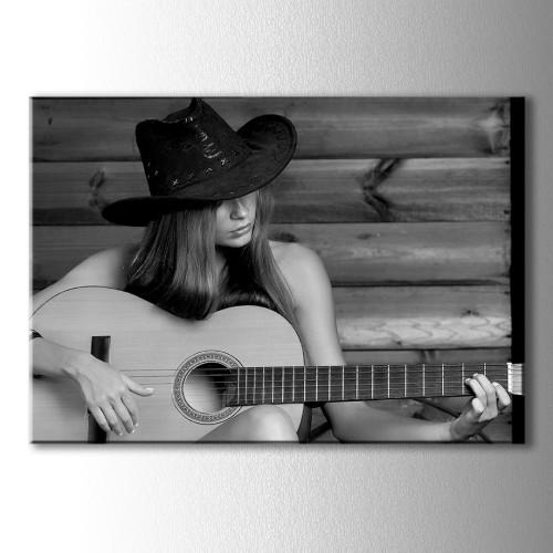 Gitar Çalan Kız Kanvas Tablo