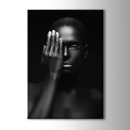 Gümüş Oje ve Siyahi Kadın Portre Kanvas Tablo