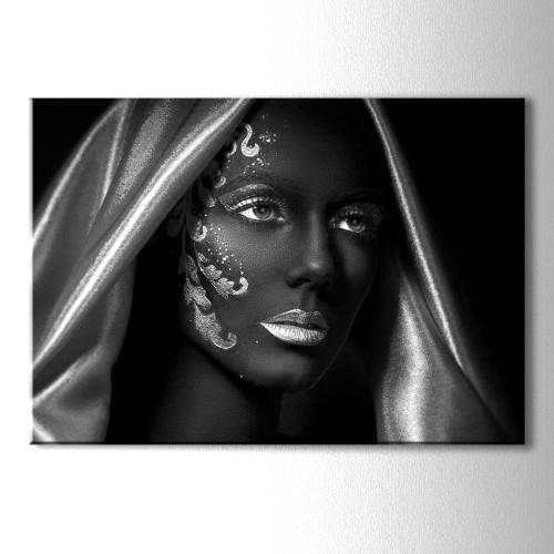 Gümüş Eşarp Siyahi Kadın Kanvas Tablo